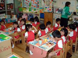 明善幼稚園の給食